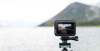 Gopro poser pour filmer la nature, un lac